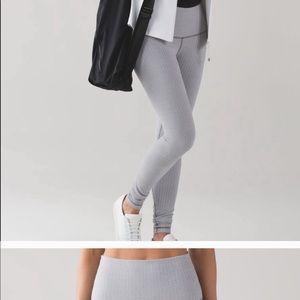 Lululemon leggings Size 4 small Color gray chevron